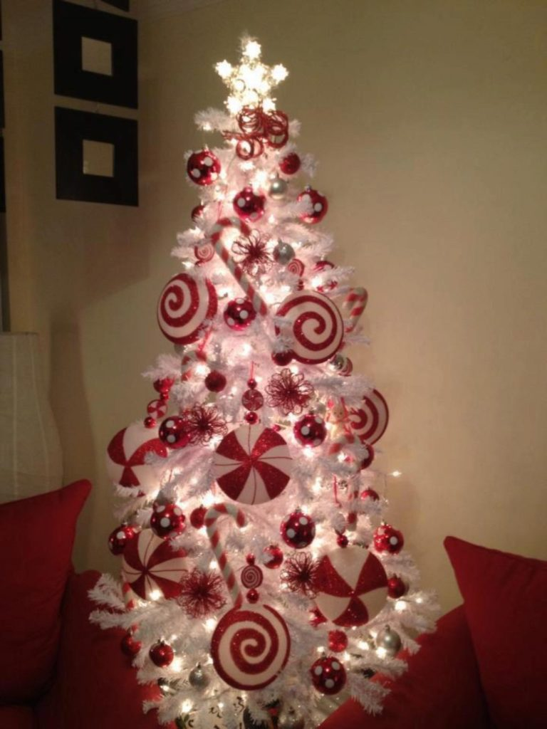 White-christmas-tree-with-red-decoration-2-1024x1365