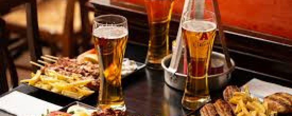 Κορονοπάρτι με μπύρες και σουβλάκια έκλεισε την πολεοδομία Κορίνθου
