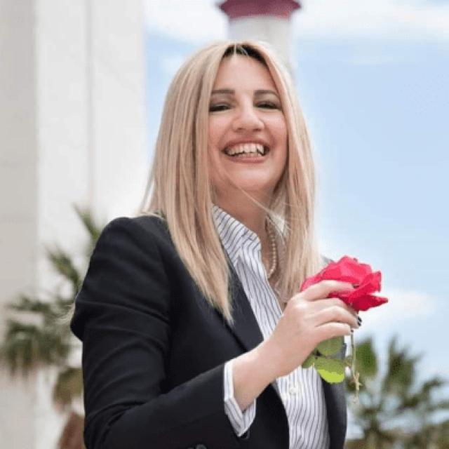 Τα κόμματα αποχαιρετούν την μαχήτρια Φώφη Γεννηματά