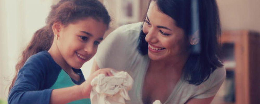 Αυτές είναι οι 10 συνήθειες των μαμάδων με καθαρά σπίτια