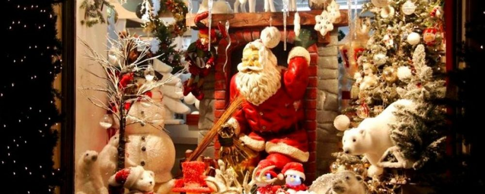 Ανοιχτά τα καταστήματα την Κυριακή στην Κόρινθο – Όλο το εορταστικό ωράριο