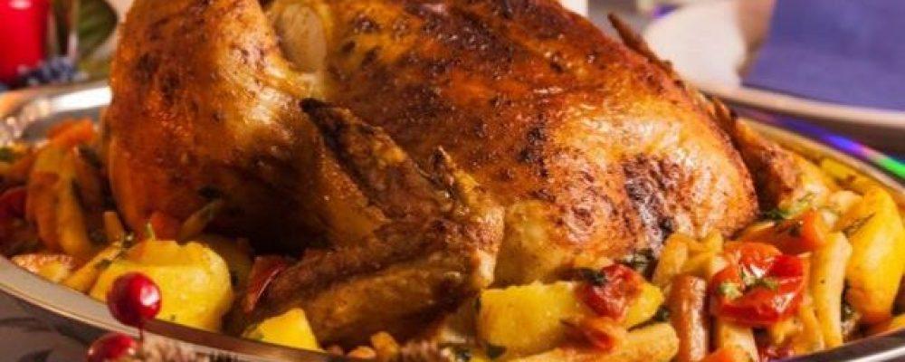 Χριστουγεννιάτικο φαγητό και όχι μόνο  – Κόκορας γεμιστός με πατάτες στο φούρνο