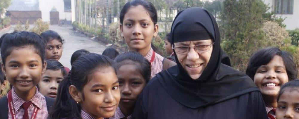 εκταρία η Κορίνθια μοναχή-σύμβολο στη μάχη κατά της φτώχειας στην Ινδία-φωτο