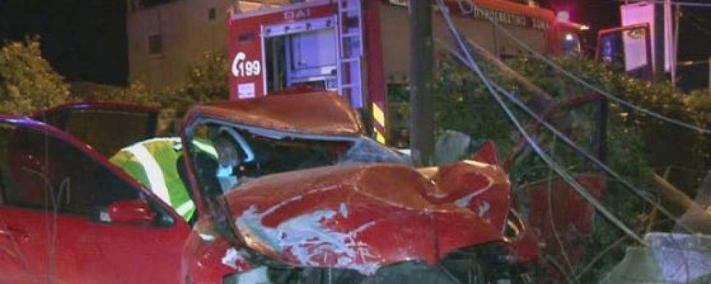 """Τραγωδία στη Βόχα! Νεκρός ο 19χρονος οδηγός του οχήματος που """"καρφώθηκε"""" σε μάντρα"""