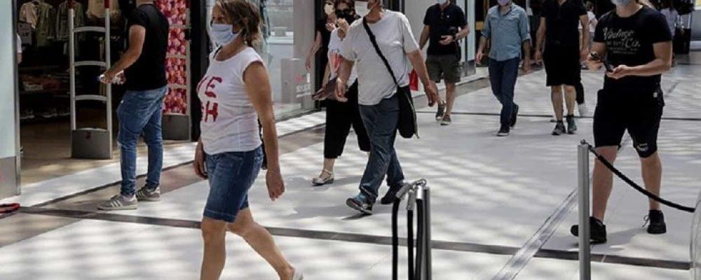Κορονοϊός: Μάσκες παντού, τέλος οι όρθιοι στα μπαρ – Όλα τα νέα μέτρα μετά τη ραγδαία αύξηση των κρουσμάτων