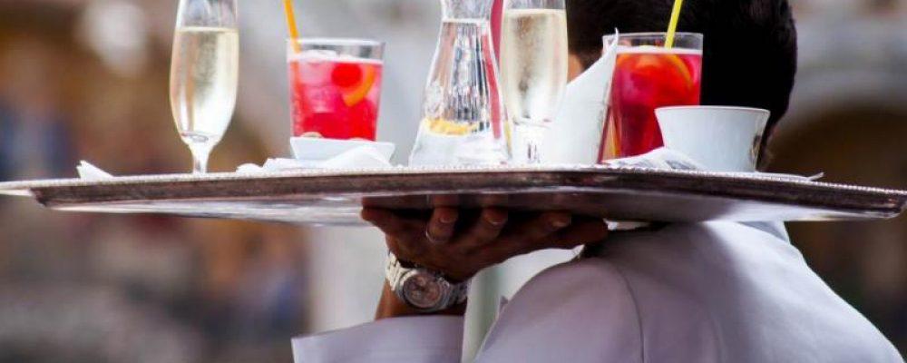 Κορωνοϊός: Τι ισχύει από Δευτέρα για μπαρ, εστιατόρια, γάμους και πανηγύρια