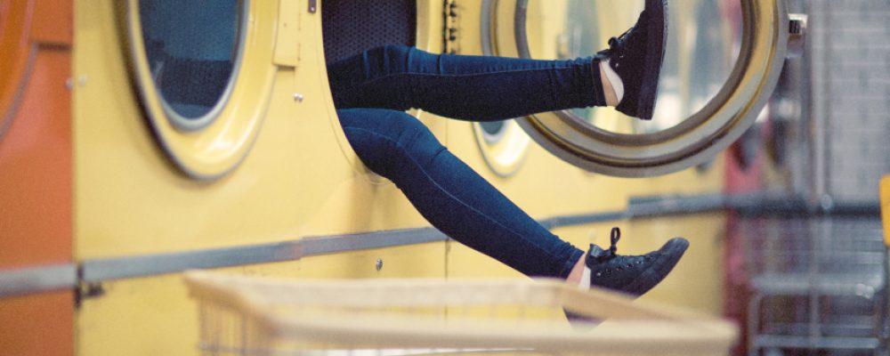Ελάχιστοι γνωρίζουν  αυτό το φοβερό τέχνασμα για το πλυντήριο!