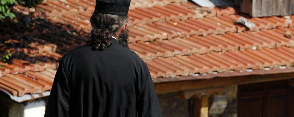 50χρονος ιερέας στη Νάουσα πέθανε από κορονοϊό