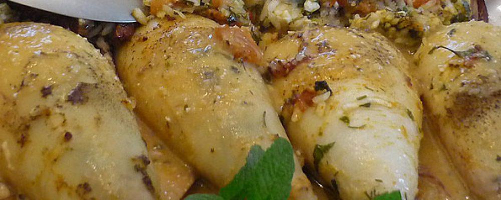 Καλαμαράκια γεμιστά με λιαστή ντομάτα -Συνταγή της κ.  Ντίνα Λόντρα
