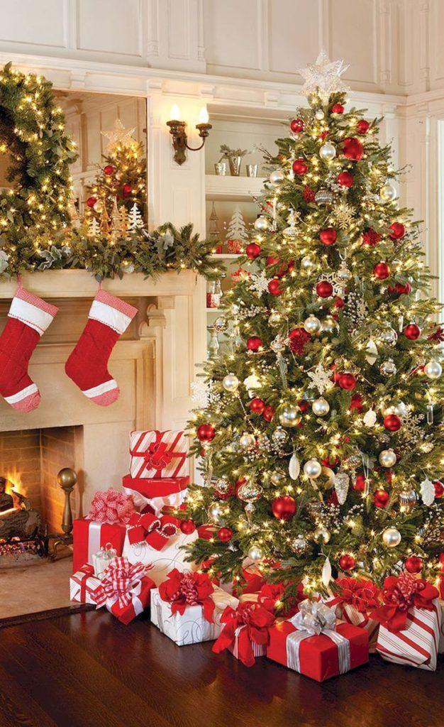 classic-christmas-tree