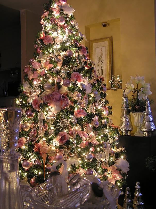 floral-christmas-tree