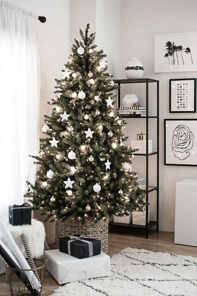 ikea-christmas-tree-with-white-decoration