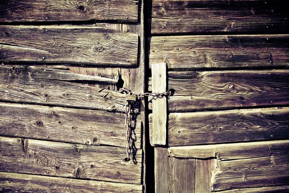 wooden-gate-594188_960_720